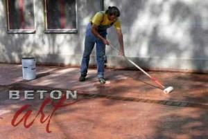 aplicarea-solutiei-acide-pe-betonul-amprentat-2